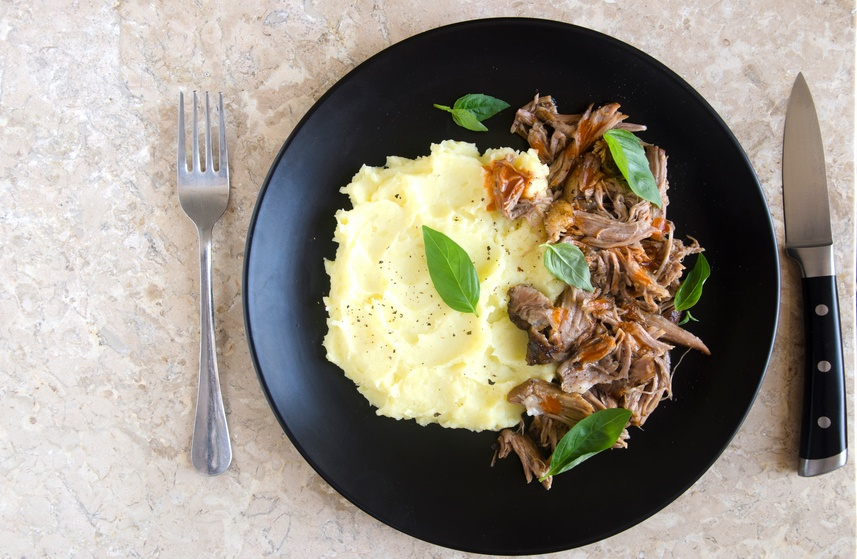 Pulled pork with mashed potatoes