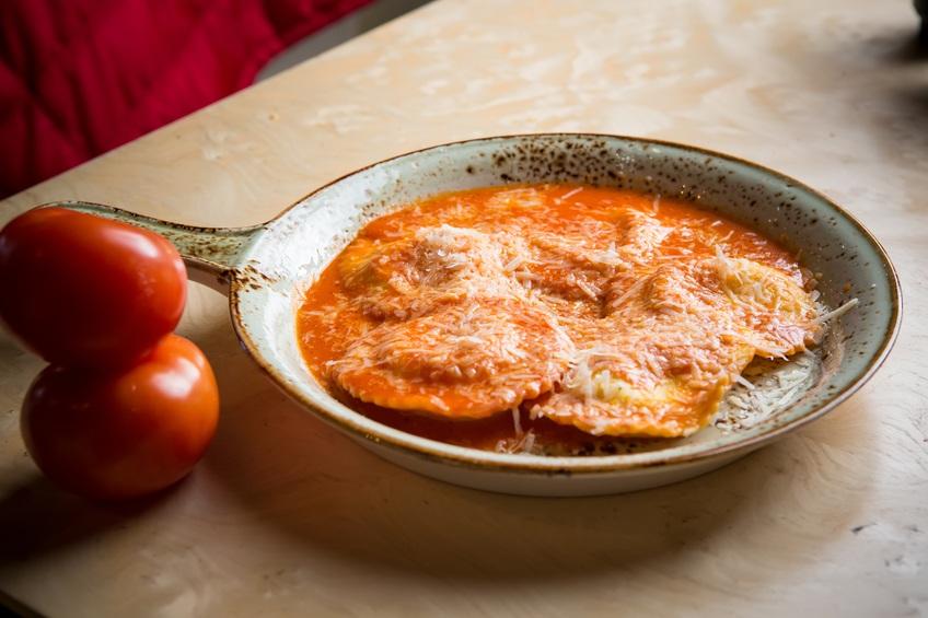 Ravioli in sauce