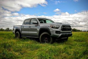 Consumer Reports Picks Its 10 Worst Cars of 2017