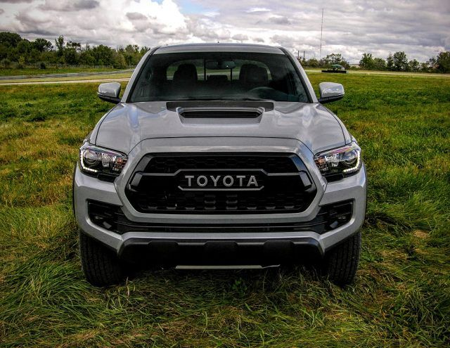 Off-road pickup truck | Micah Wright/Autos Cheat Sheet