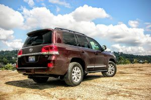 2016 Toyota Land Cruiser Review: Toyota's SUV Matriarch Returns