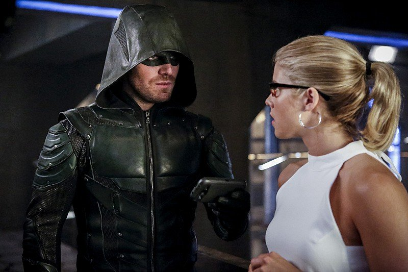 Oliver and Felicity on Arrow