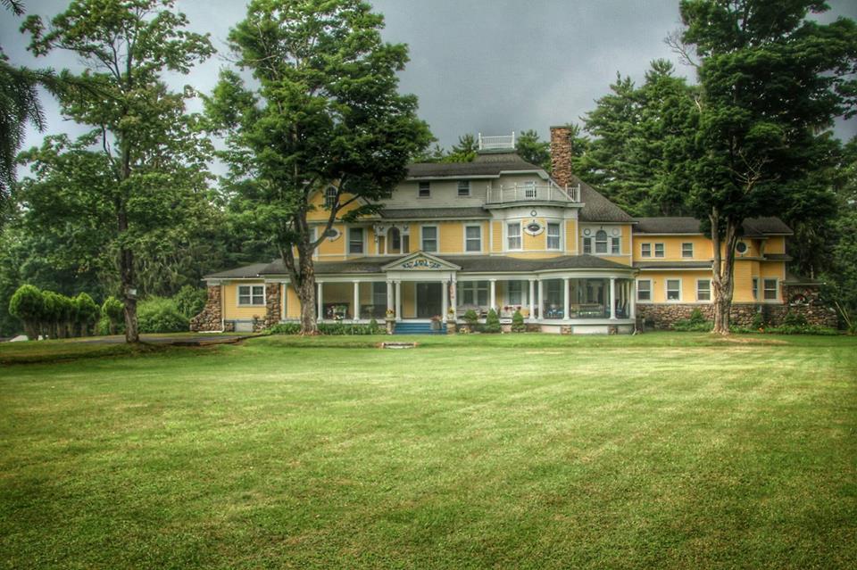 Burn Brae Mansion