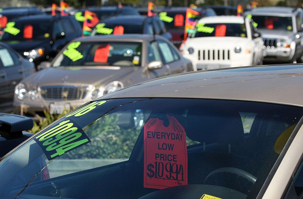 What Do Car Salesmen Make On A Sale