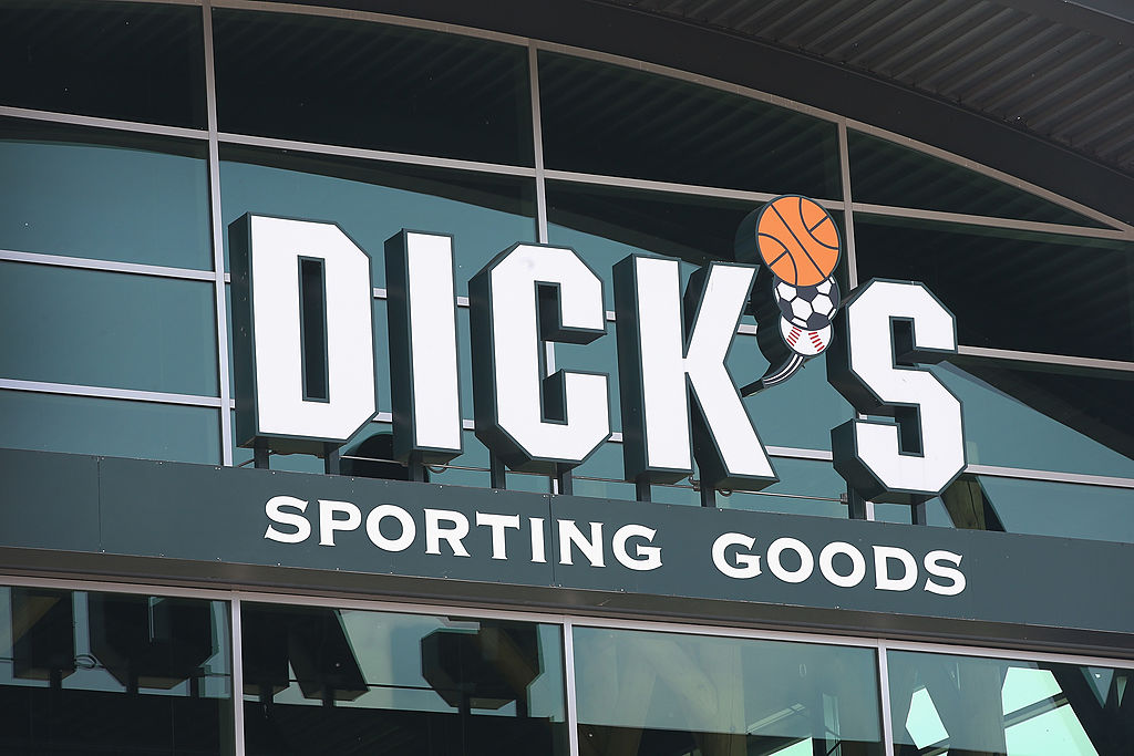 dick's sporting goods entrance