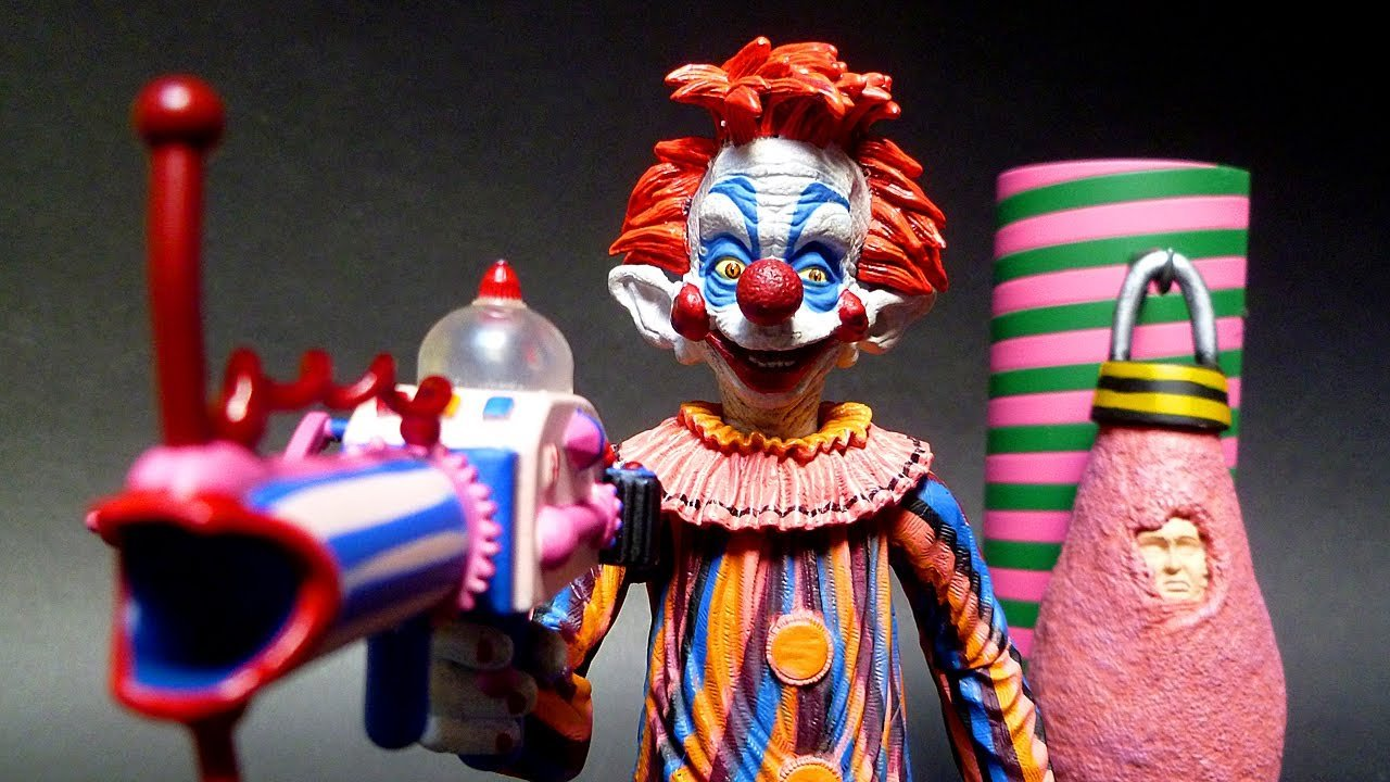 25 funniest b movies of all time for Killer klowns from outer space