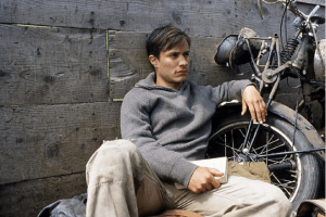 6 of the Best Movies About Hitchhikers and Road Trips