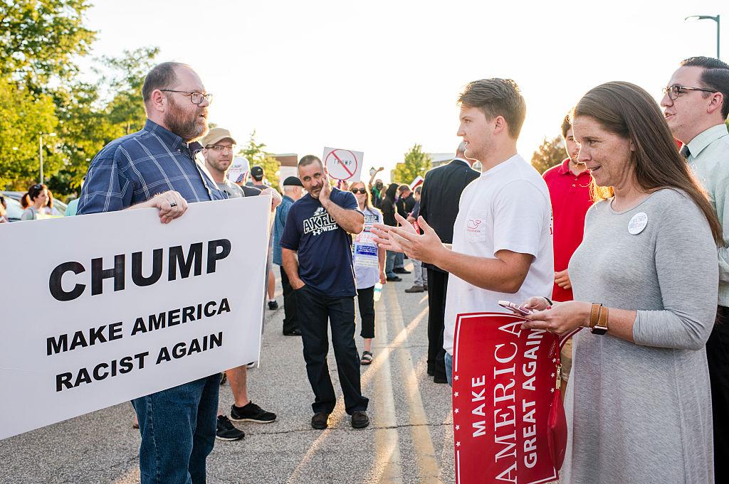 trump supportors and protestors