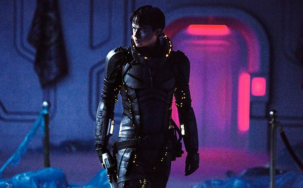 Dane DeHaan in Valerian and The City of a Thousand Planets   EuropaCorp
