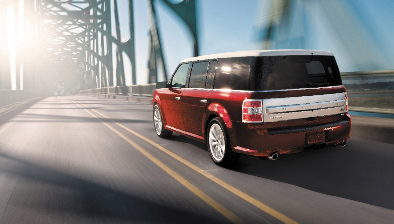 2016 Lincoln Mkt >> Ford Flex vs. Lincoln MKT: Buy This, Not That