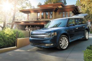 Ford Flex vs. Lincoln MKT: Buy This, Not That