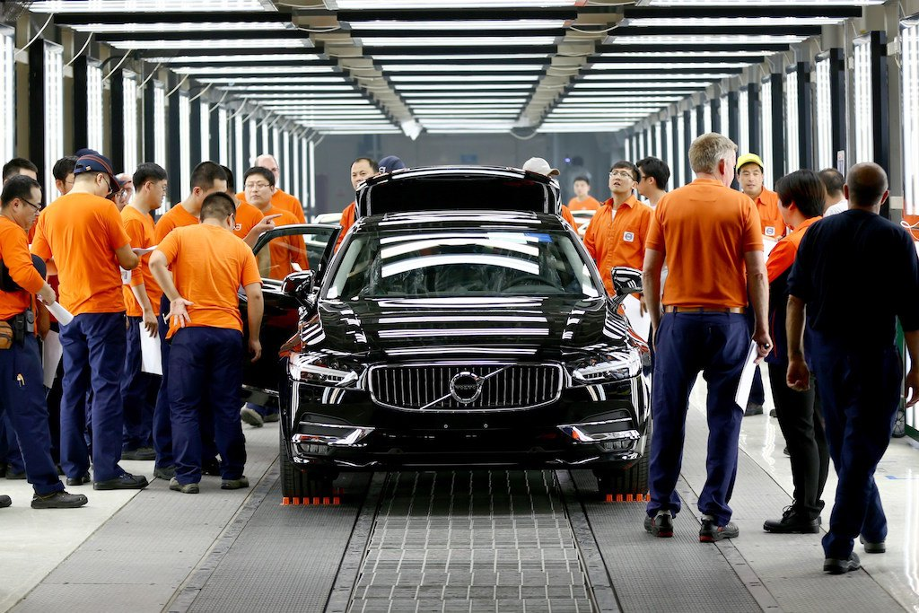Pre-production of the new Volvo S90 in the Daqing plant