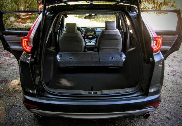 A customizable fold-flat rear seat helps make the Honda CR-V a real winner as a CUV | Micah Wright/Autos Cheat Sheet