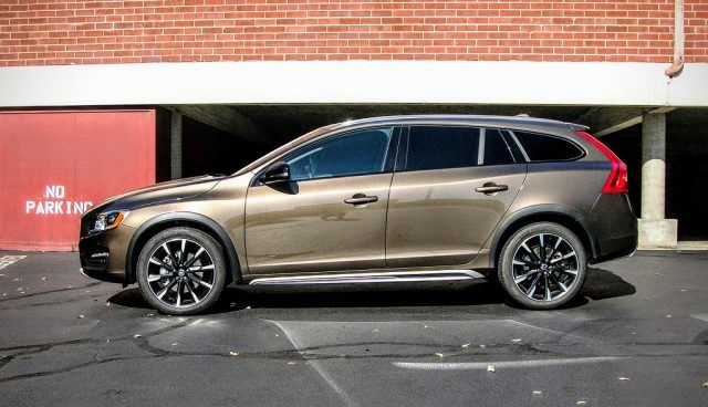 2017 Volvo V60 T5 Cross Country