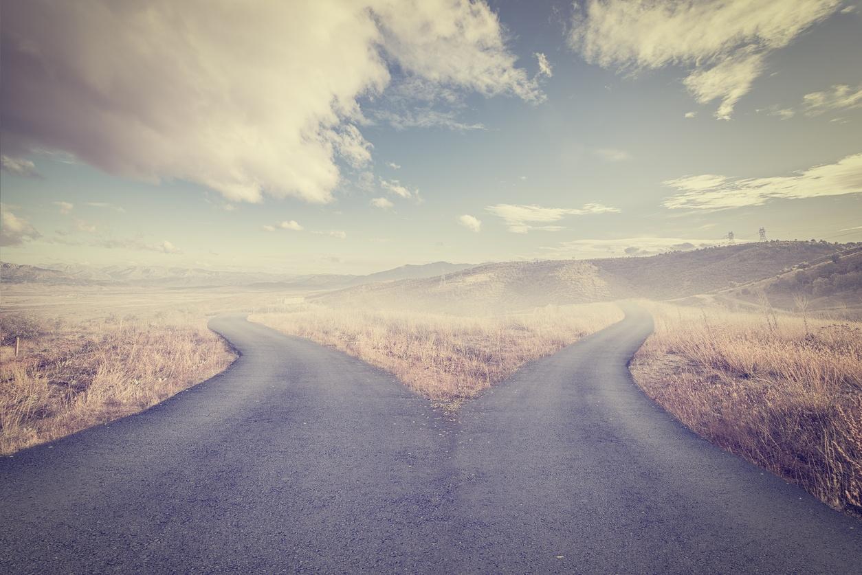 crossroads spliting in two ways