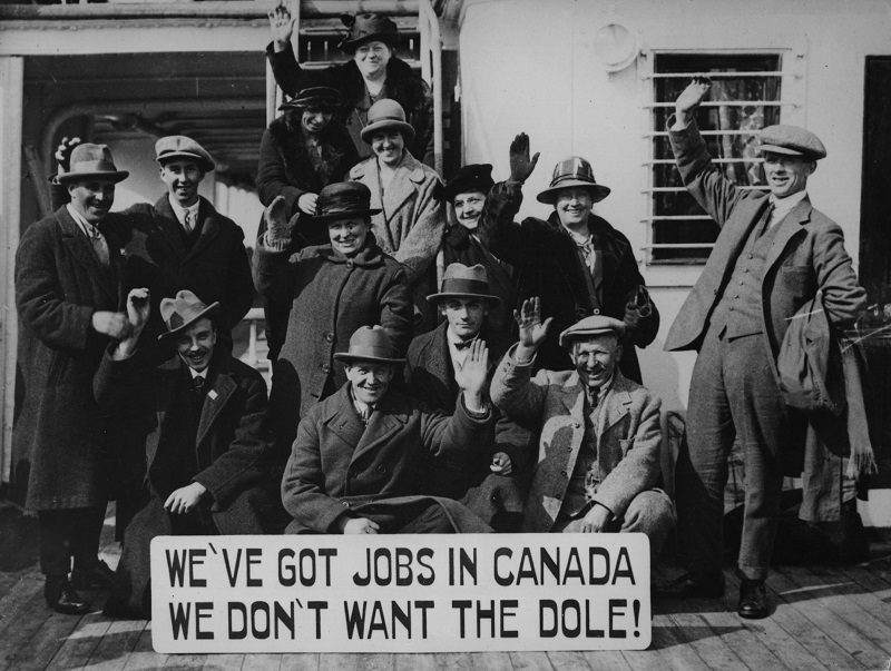 A group of immigrants make the move to Canada in the 1920s