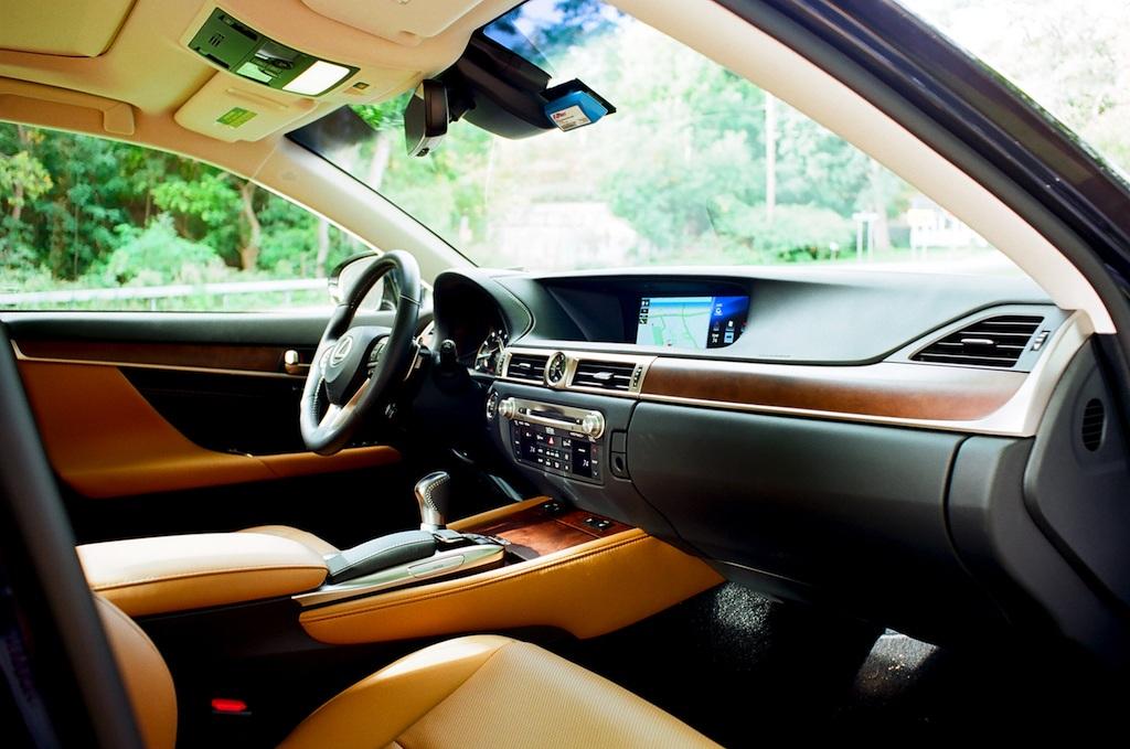 2016 gs 350 interior