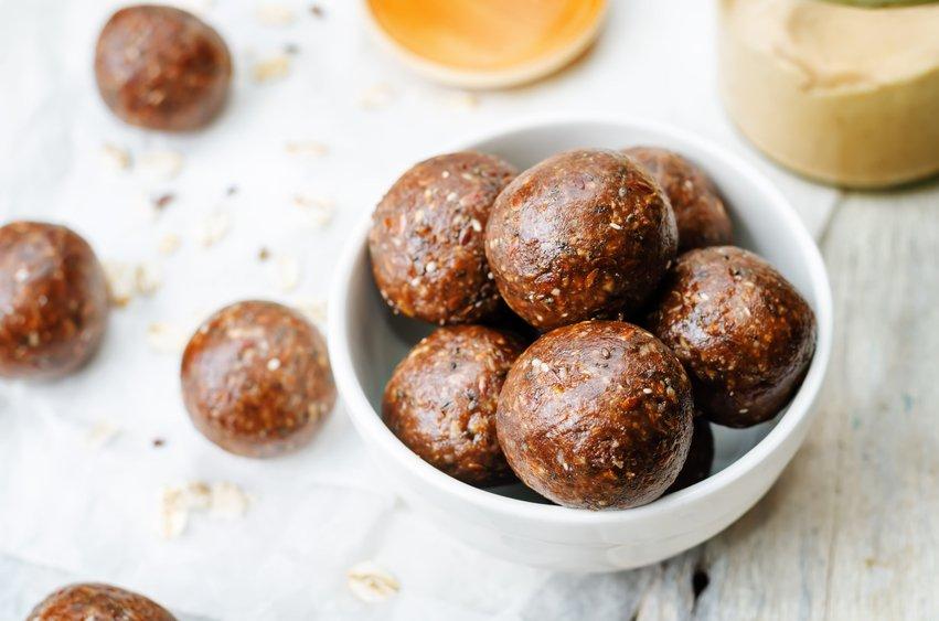 vegan peanut butter oat coconut cacao balls