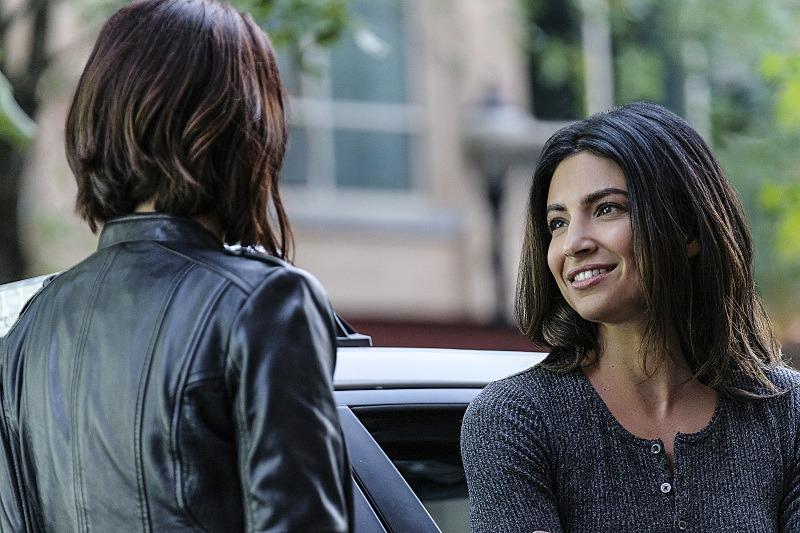 Alex Danvers and Maggie Sawyer on Supergirl Season 2