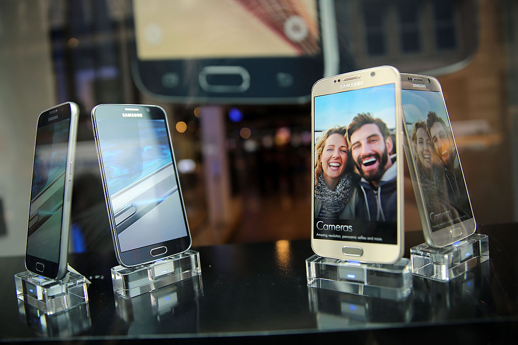 Samsung's latest flagship smartphones, the Galaxy S6 and the S6 Edge