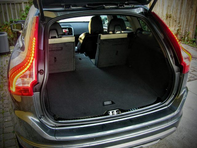 Rear cabin space within the Volvo XC60 is szable and easily reconfigurable for carrying pets thanks to Volvo's wide array of options | Micah Wright/Autos Cheat Sheet