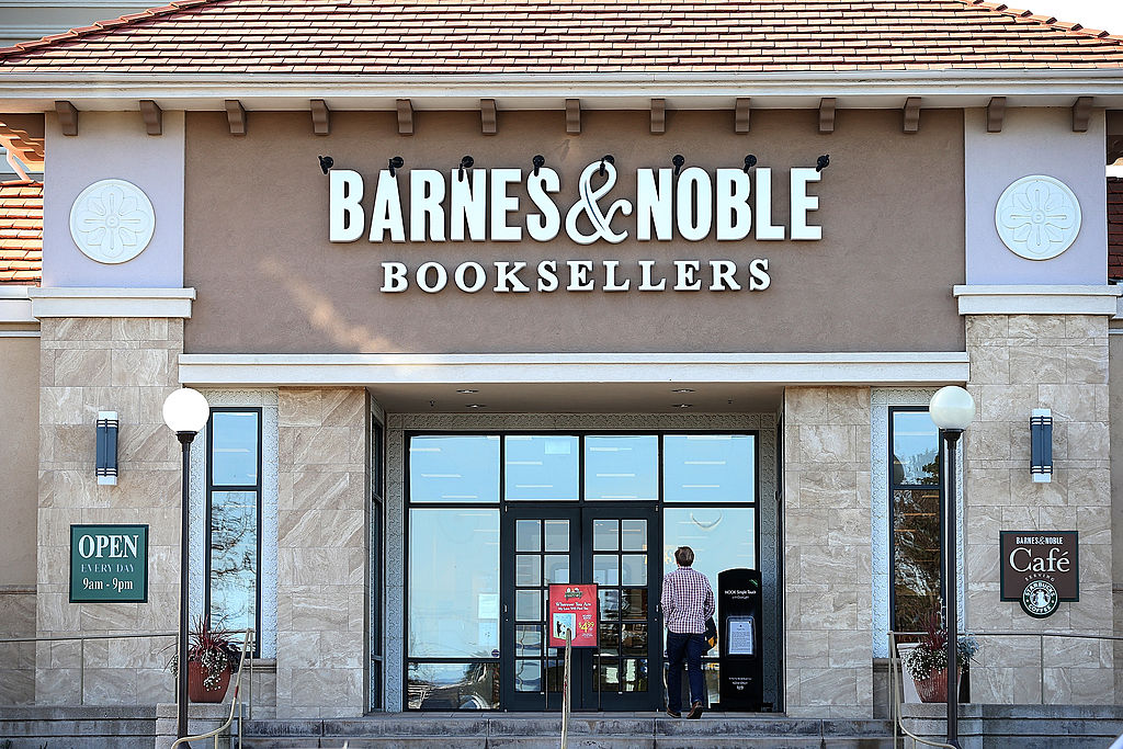 barnes and noble store