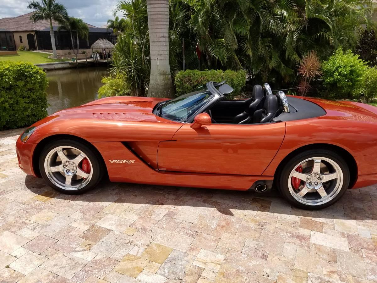 Orange 2005 Dodge Viper SRT-10
