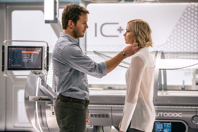Chris Pratt and Jennifer Lawrence in 'Passengers'
