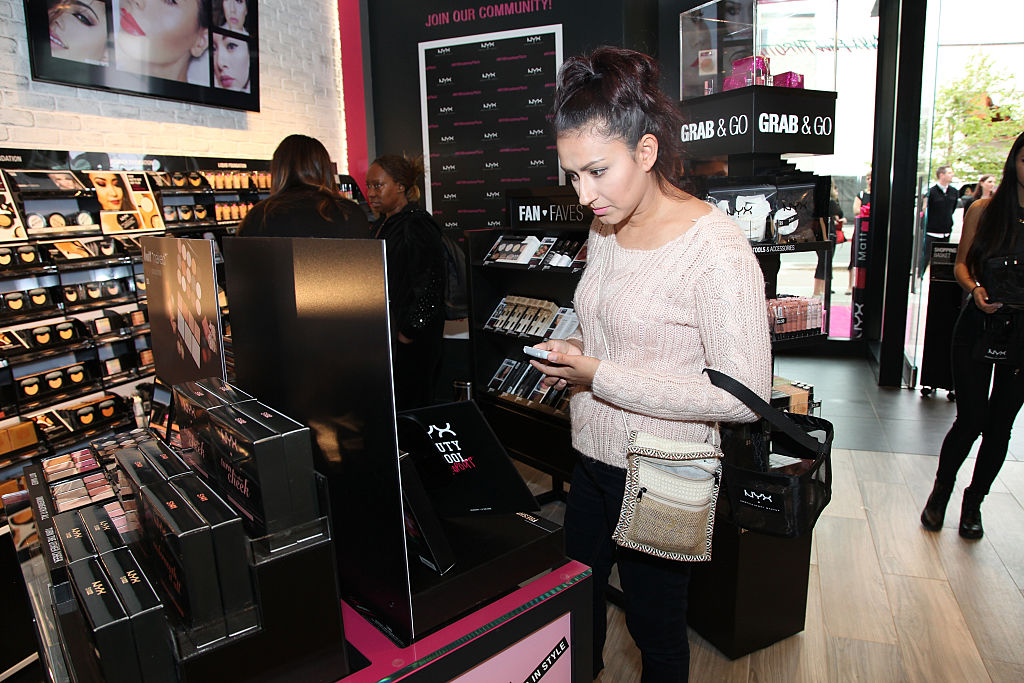 shopping for makeup