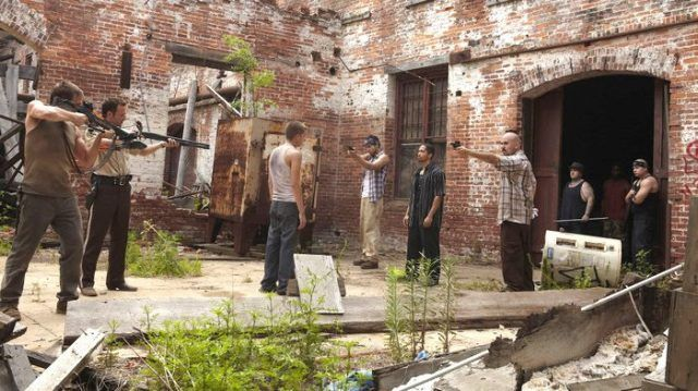 """A scene from 'The Walking Dead' episode """"Vatos"""""""
