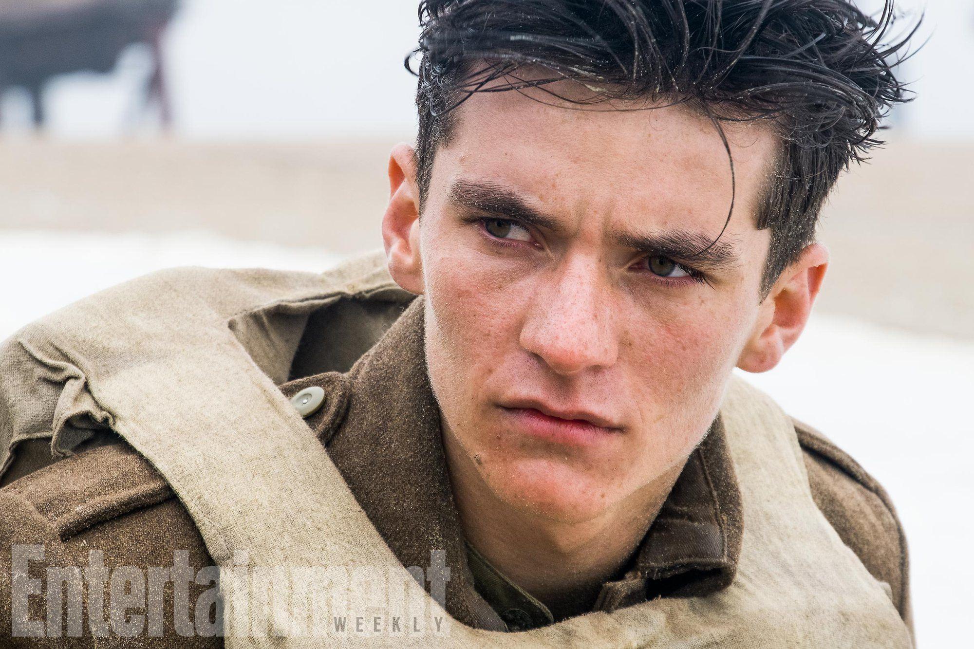 Fionn Whitehead in Dunkirk   EW