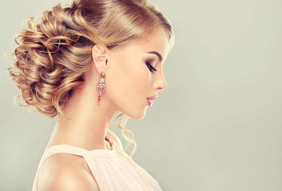 model with elegant hairstyle