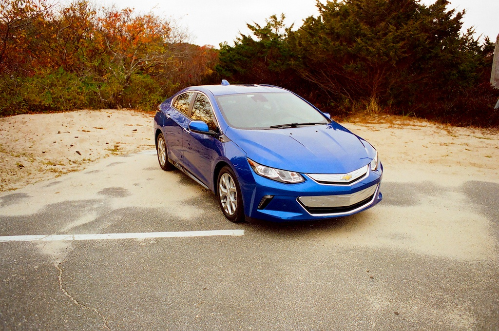 The 2017 chevy volt is the hybrid that will finally win you over