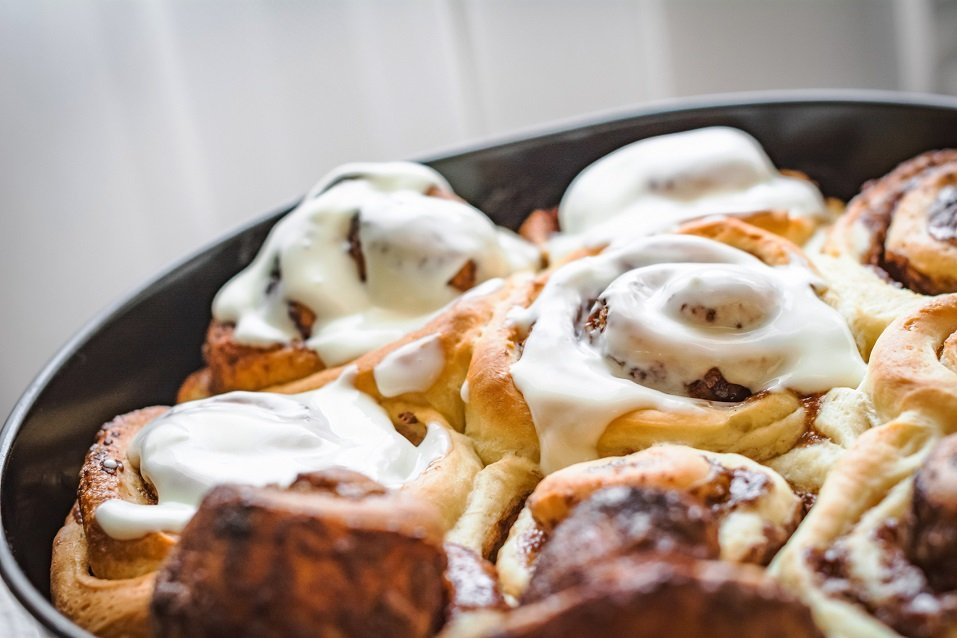 homemade sticky cinnamon buns
