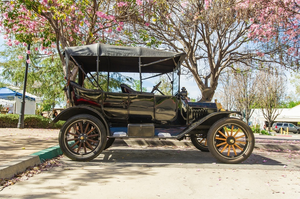 Vintage 1915 Ford Model T convertible