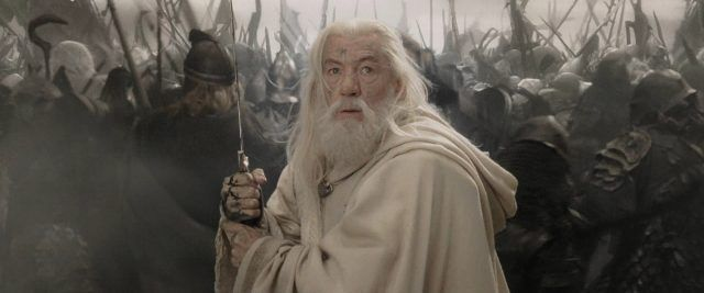 Gandalf (Ian McKellen) fighting in battle in 'Lord of the Rings: The Return of the King'