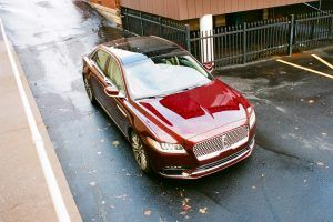 2017 Lincoln Continental Review: Luxury From an Alternate Future