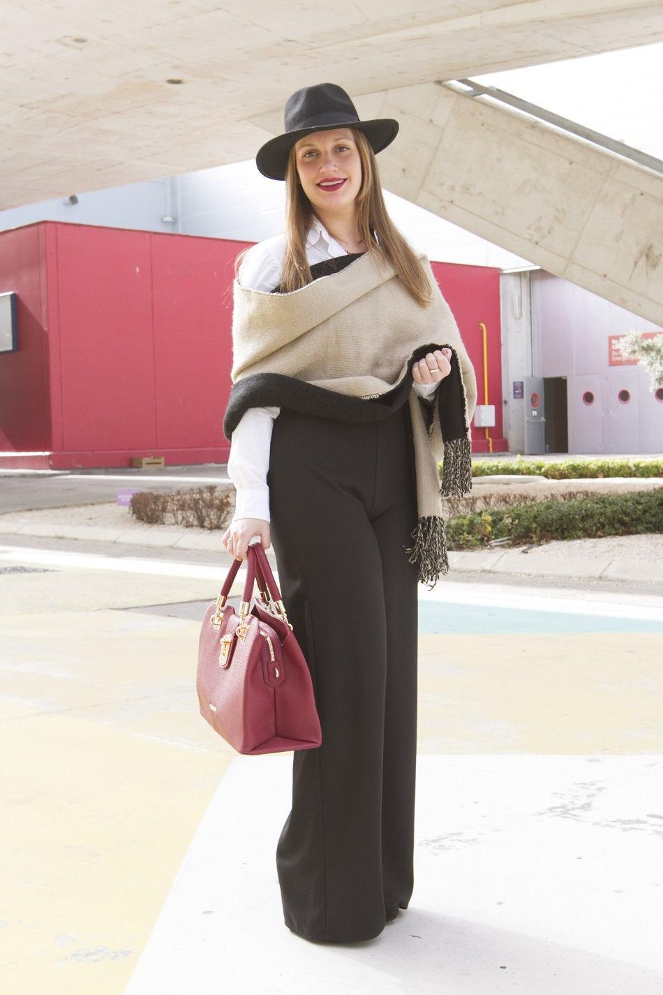 Maria Luisa Valdivieso wears Zara pants