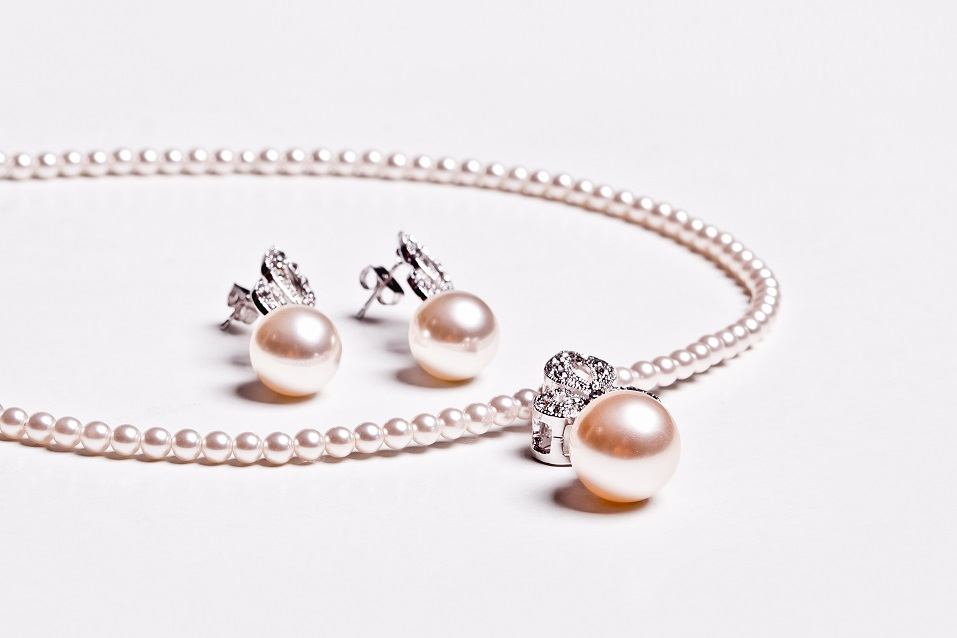 Pearl Earring and necklace