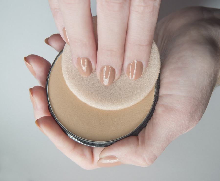Face Powder and Puff