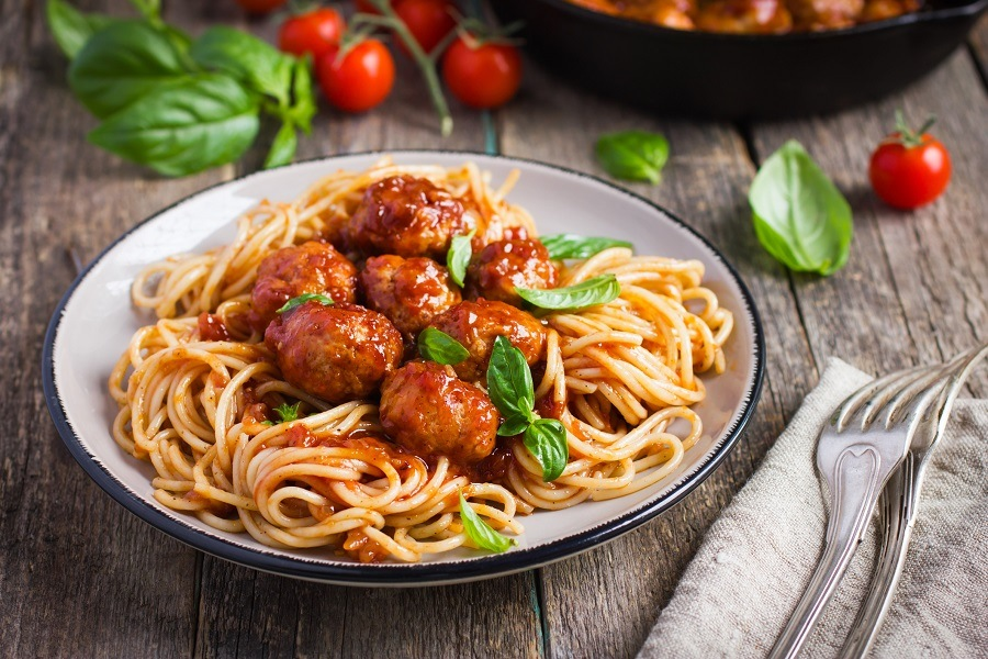 Spaghetti pasta with meatballs