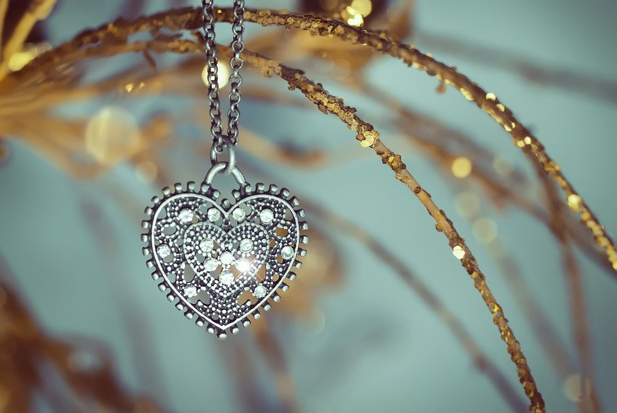 Vintage pendant in the shape of hearts