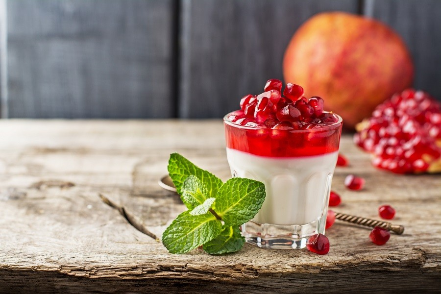 pannacotta with pomegranate jelly