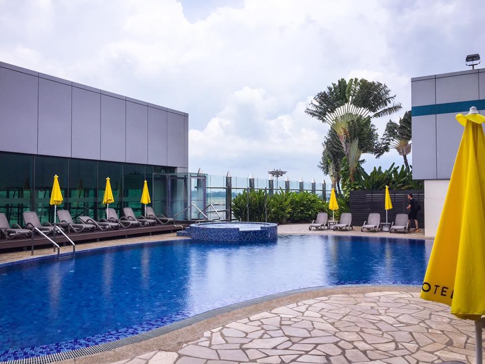 Rooftop pool at Changi Airport