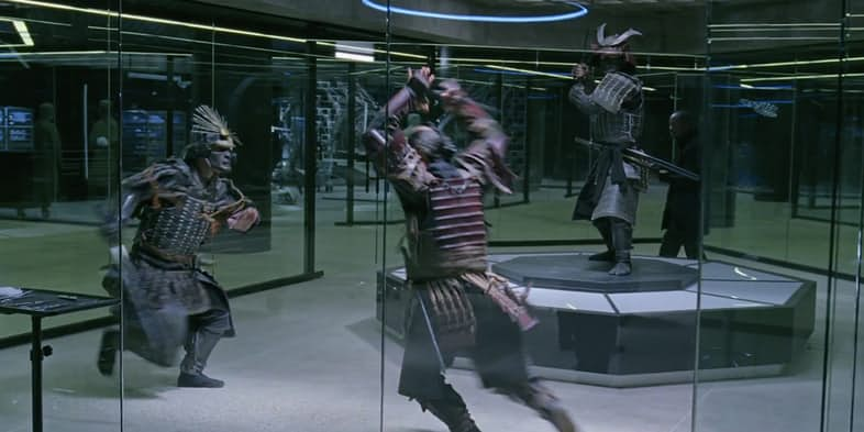 Samurai fighting inside a mirrored room.