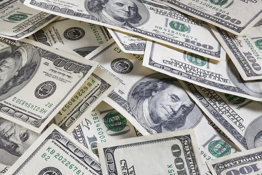 pils of $100 bill