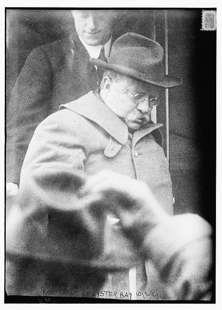 Teddy Roosevelt campaigns from a train.