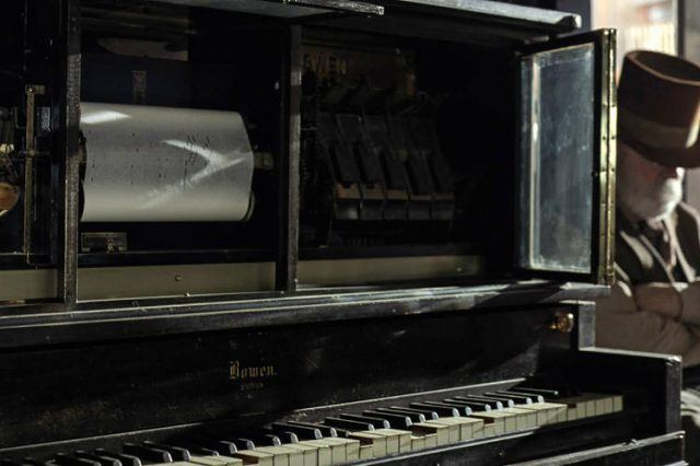 The piano in the Mariposa plays a tune on HBO's 'Westworld'