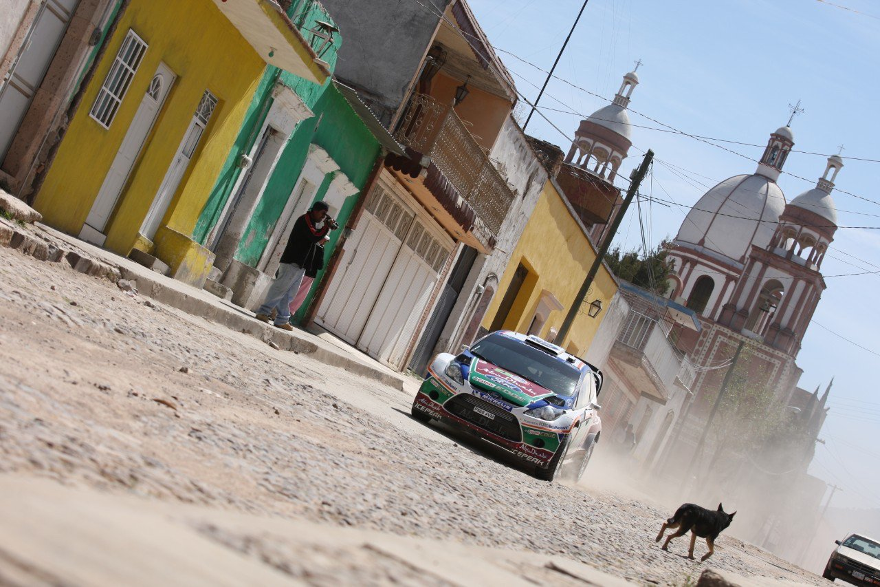 Ford Focus WRC competing in Mexico, 2011