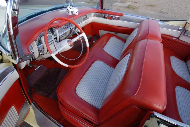 A bench seat in a 1953 Cadillac Eldorado reminds us of what spacious cabins once looked like, especially with the top down